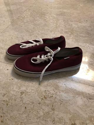Brand new sneakers size 40