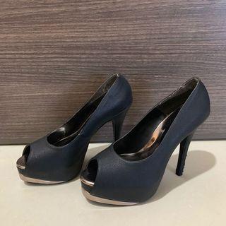 Eclipse high heels