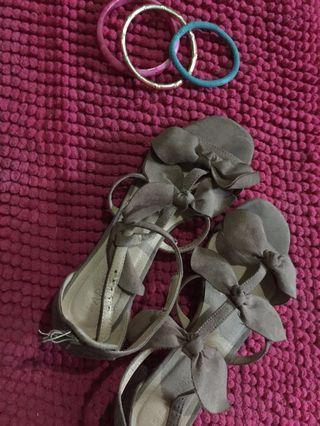Sandals with block heels