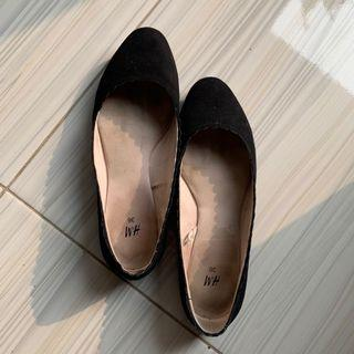 H&M Black Flat Shoes