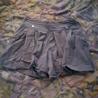 Celana Pendek abu abu