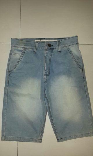 Celana Pendek Jeans Double Three #BAPAU