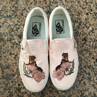vans slip-ons silk pink with embroidery