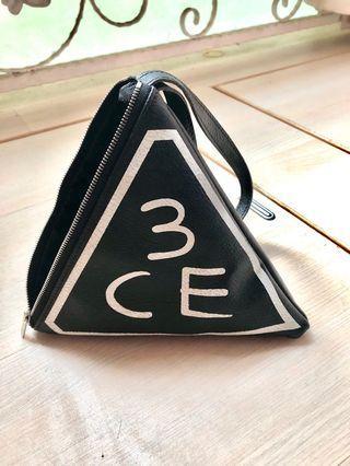 3CE三角包