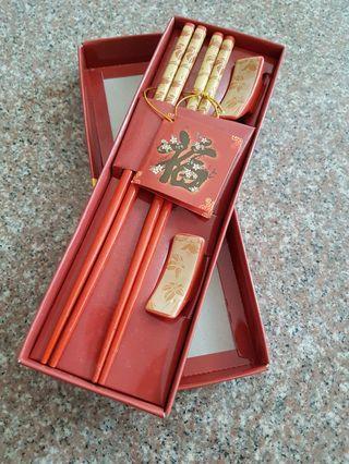 🚚 Chopsticks with stand