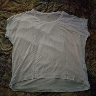 Uniqlo top baju putih