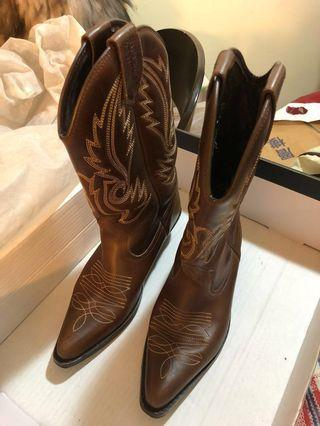 Kentucky's Western全牛皮繡花牛仔中靴 啡色size 38