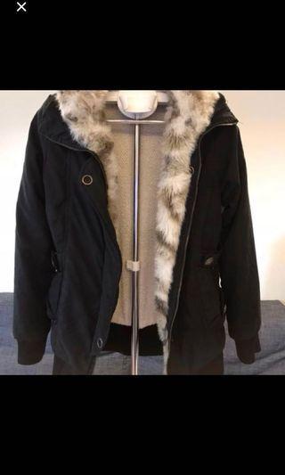 買超過100元以上就免費送-軍裝風大衣