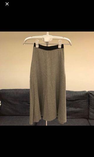 買超過100元免費送-Zara灰色運動風長裙
