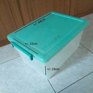 Kontainer Box/ Kotak Plastik +/- 30Lt