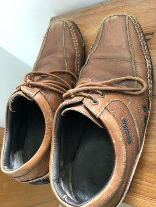Free! Used Buckaroo shoes