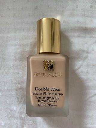 Estee Lauder Double Wear Stay-in-Place Foundation 2W0