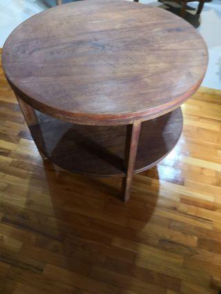 🚚 Vintage teak wood side table 71 cm dia