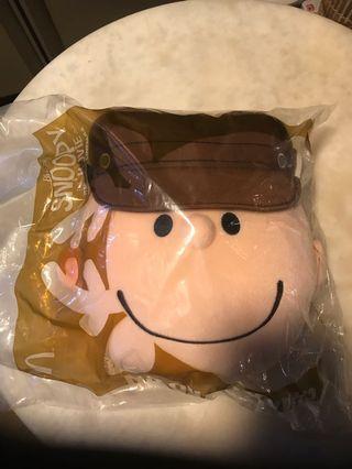 McDonald's Charlie Brown 查理布朗抱枕