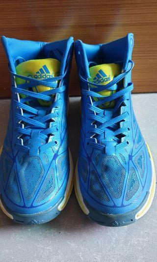 🚚 Basketball shoe