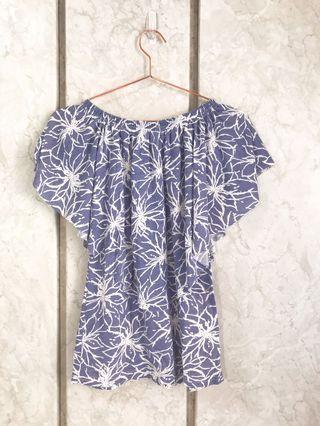 🚚 藍色印花平口/斜口垂墜設計上衣