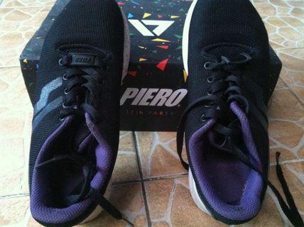 Sepatu Olahraga / Running Shoes