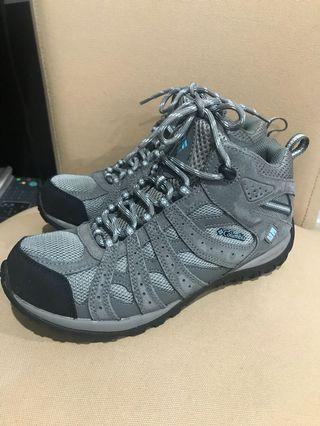 Columbia boots size 39.5