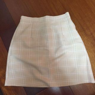 🚚 格紋短裙