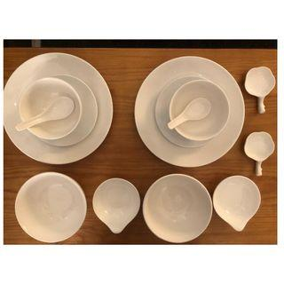 Set of kitchen dishes (bowls - plates) - perfect condition