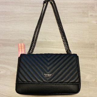 Victoria's Secret chain bag (small damaged)
