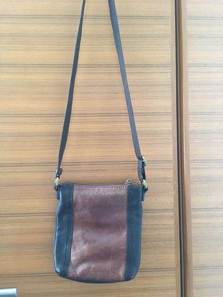 🚚 Small Sling Bag (le sports sac)