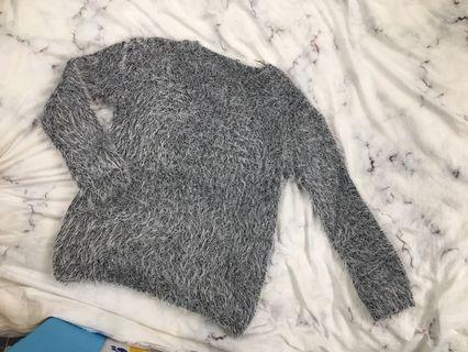 🚚 氣質灰海馬毛毛衣