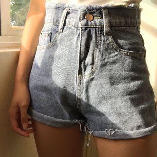 frayed denim highwaisted shorts