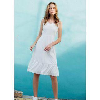 🚚 [The Stage Walk] Berlin Ruffled Hem Dress In White