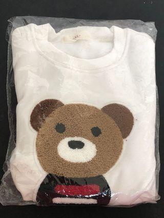 White Long Sleeves Bear 🐻 Sweater