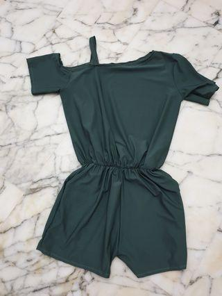 🚚 Army green romper