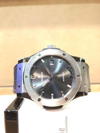 Pre Owned Hublot Classic Fusion 542.NX.7071.LR Racing Grey Dial Automatic Titanium Casing Leather