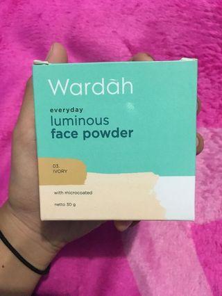 Bedak WARDAH Luminous Face Powder