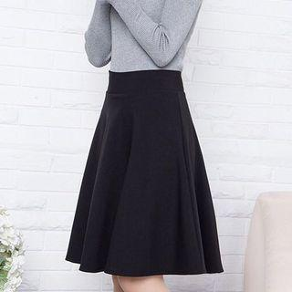 Circle Twirl Midi Skirt in Black