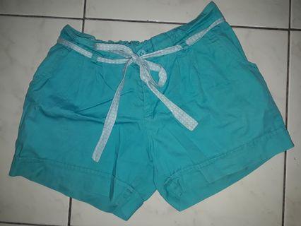 Celana pendek (shorts pants) tosca