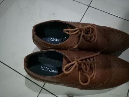 Sepatu Icon ninety9