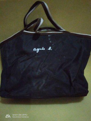 Tas besar