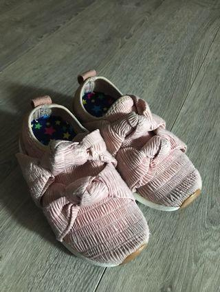 Zara 粉紅蝴蝶結運動鞋