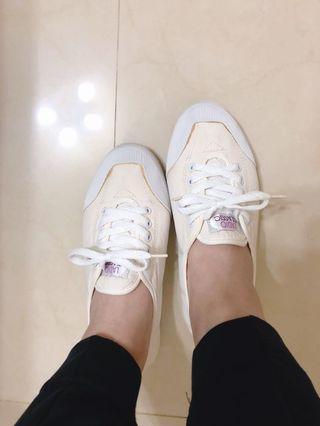 韓國小白鞋 39號