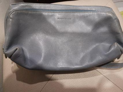 Casual RABEANCO calf leather pouch.