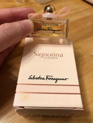 全新Salvatore Ferragamo Signorina 香水版 5ml