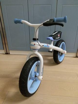 兒童平衡車