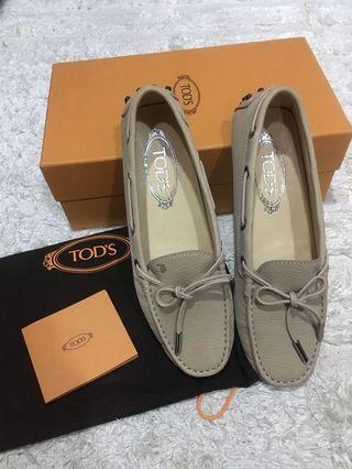 Tod's豆豆鞋