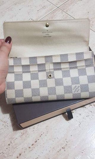 🚚 Authentic LV wallets