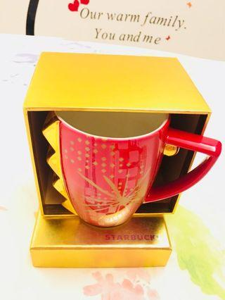 🚚 Starbucks red Mug with exclusive gold box