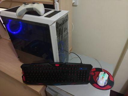 e-Sport Gaming Pc+Monitor and complete gaming set