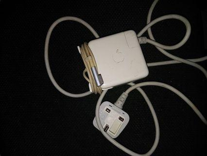 🚚 60W MagSafe Power Adapter/Macbook Charger