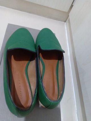 Sepatu charles and keith