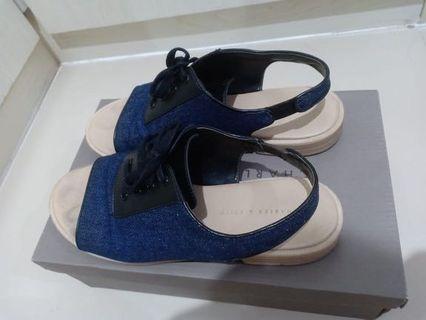Sandal charles and keith