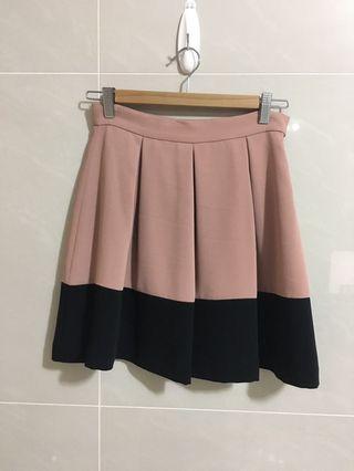 日本品牌 La Bala 粉膚黑色撞色小圓裙